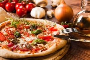 Bild: Zwiebel-Salami Pizza